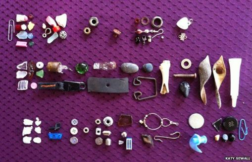 _81210316_gifts-purple-624
