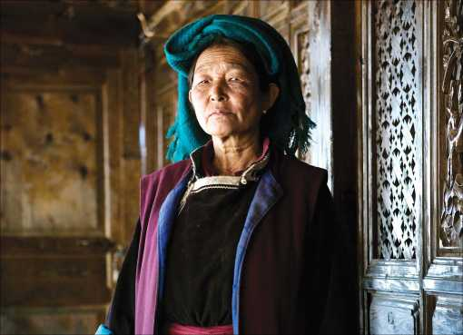 Mosuo people live on Lugu Hu lake, Yunnan province, China. Mosuo are known for their matriarchal society, where women rule.. Image shot 2008. Exact date unknown.